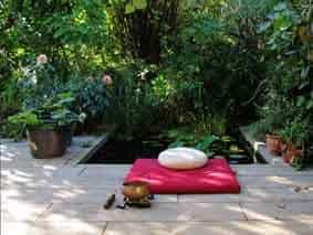 Meditationsraum einrichten Sitzkissen